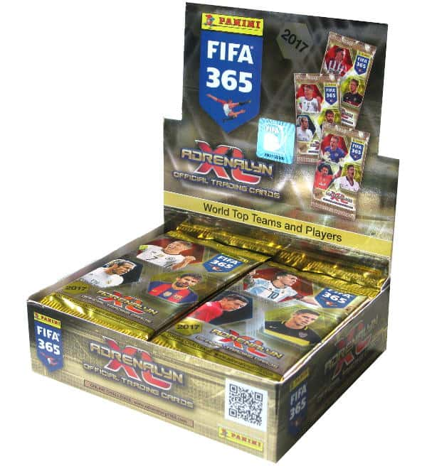 Panini FIFA 365 2017 Adrenalyn XL Display offen